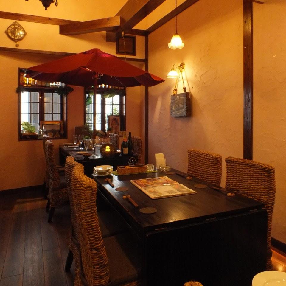 店内はおしゃれな海外リゾート空間|HaLeResort Dining&bar京都河原町店